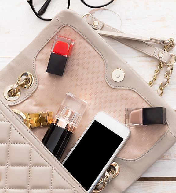 What to put in your small handbag